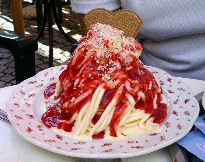 758px-Spaghetti_eis
